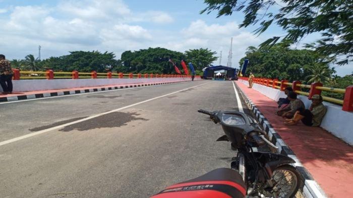 13 Tahun Dibangun, Akhirnya Jembatan di Kecamatan Lubukbatang Kabupaten OKU, Diresmikan Herman Deru
