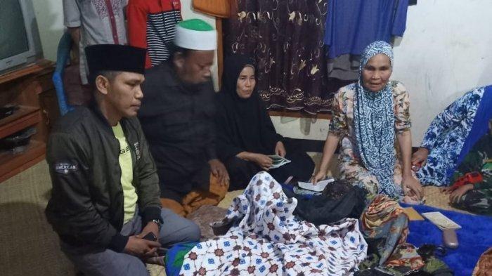 Jenazah korban tewas akibat kebakaran di Kabupaten Sarolangun Jambi, Senin (15/2/2021) malam.