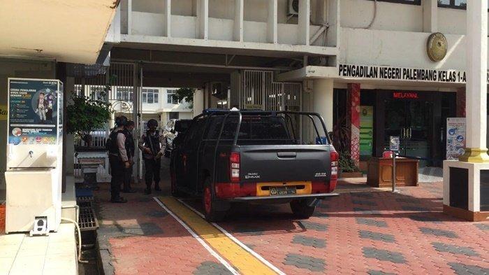 BREAKING NEWS : Johan Anuar Dihadirkan Langsung, Jalani Sidang Dugaan Korupsi Lahan Kuburan