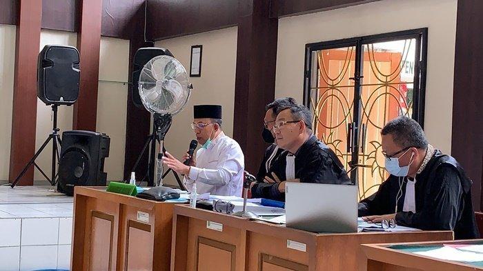 Juarsah Bantah Keterangan Saksi : saat Hari Kerja Saya Tinggal di Muaraenim Bukan di Palembang