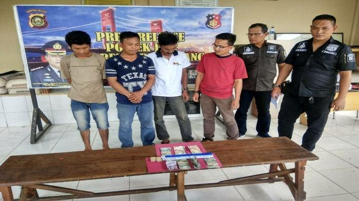 Empat Sekawan Kepergok Main Judi Qiu-qiu di Pasar Lemabang