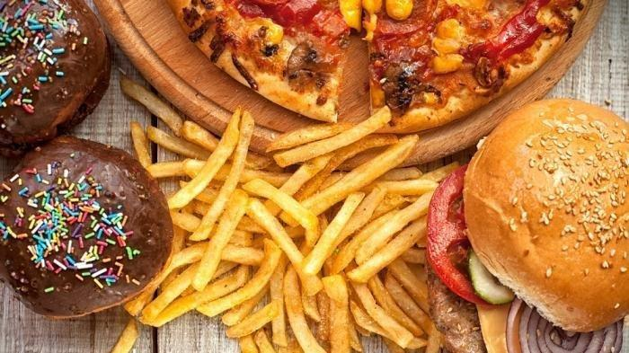 4 Hal Ini Penyebab Bahayanya Makan Junk Food, Kurangi Jika Tak Ingin Punya Penyakit Kronis