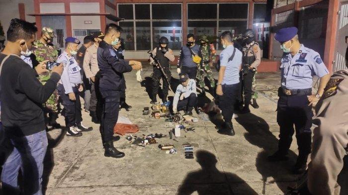 9 NAPI Beringas Terobos Barikade Sipir Penjara, Kabur dari Lapas: 1 Petugas Tumbang Diserang