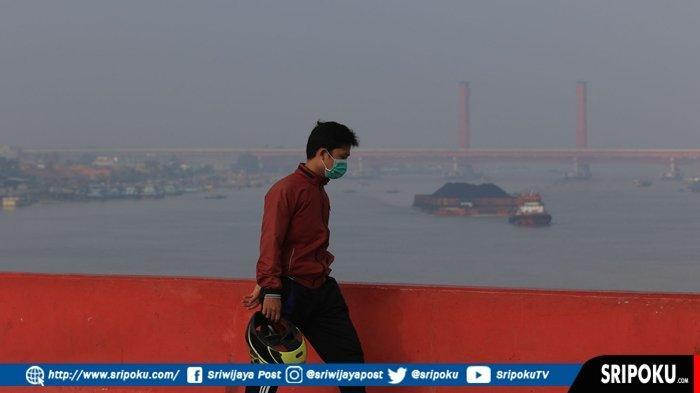 BMKG Pastikan Kabut Tebal di Palembang Bercampur Asap Karhutlah, Warga Dihimbau Pakai Masker