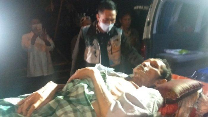 Kakek Mandiri Itu Terbaring, Sejak Kecil Alami Buta, Tinggal Sebatang Kara, Kini Dibawa ke RS Bari