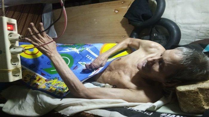 18 Tahun Lumpuh, Kakek di Lorong Sintren Ini Hidup dari Botol Plastik, Anaknya Gangguan Mental