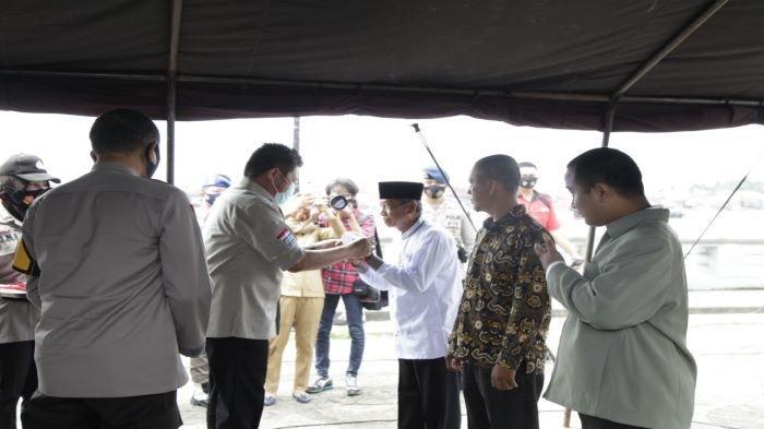 Partisipasi Bagi Masker Serentak se-Indonesia, Herman Deru Ikut Bagikan Masker ke 17 Kabupaten Kota