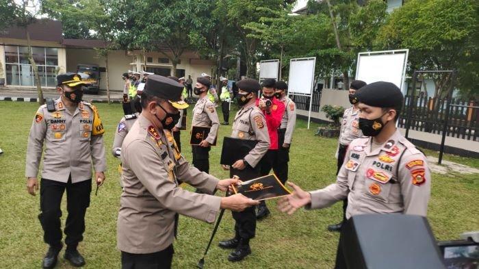 4 Perwira Polres Muara Enim Ini Terima Penghargaan Dari Kalpoda Sumsel, Ternyata Ini Prestasinya