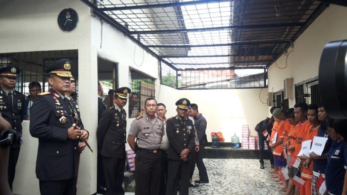 Kisah Kapolda Lampung Tidur Bersama Pembunuh Sopir Taksi Selama Satu Bulan