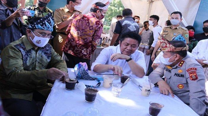 Kapolda Sumsel Minum Kopi Bersama HD di Sriwijaya Kopi dan Kuliner Festival