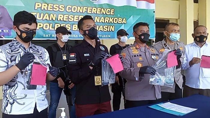 Pria Ini Bikin Polisi Syok saat Lihat Isi Perutnya, Bisa Lolos Penjagaan Bandara Riau dan Palembang