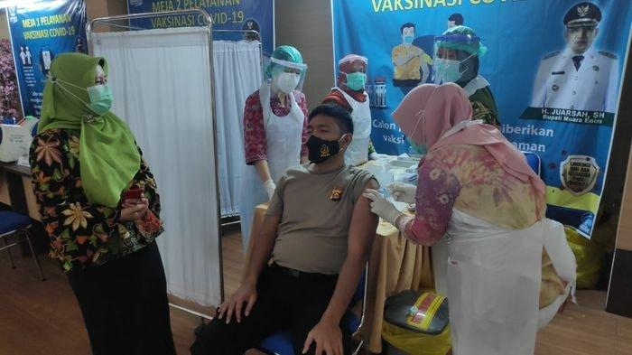 Kapolres Muara Enim Jalani Vaksinasi Covid-19 Tahap Kedua, AKBP Danni Sianipar  : Terbukti Aman