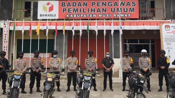 AKBP Efrannedy Naik Motor Pantau Keamanan Jelang Pilkada Musirawas 2020, 'Situasi Aman dan Damai'