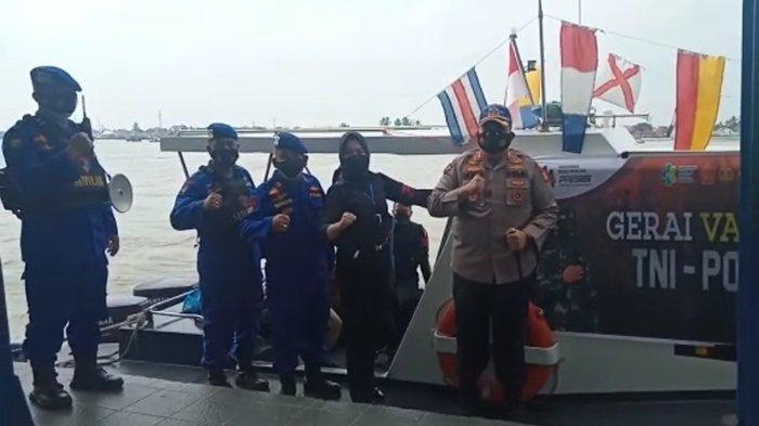 3 Aktivitas Dilakukan Sekaligus Saat Polrestabes Palembang Seberangi Sungai Musi Menuju Pulokerto