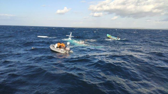 15 MENIT Berlayar, Kapal Tenggelam, Ibu dan Balita Renangi Lautan: Sayang Nyawa Anak Tak Tertolong
