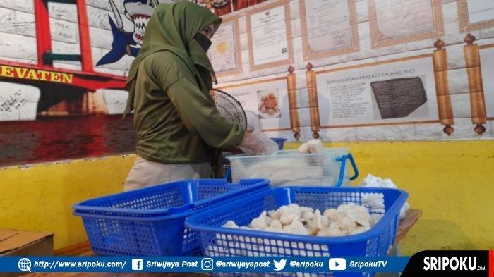 Pedagang Pempek di Palembang Bisa Tersenyum, Lebaran Idul Fitri 1442 H Permintaan Pempek Meningkat