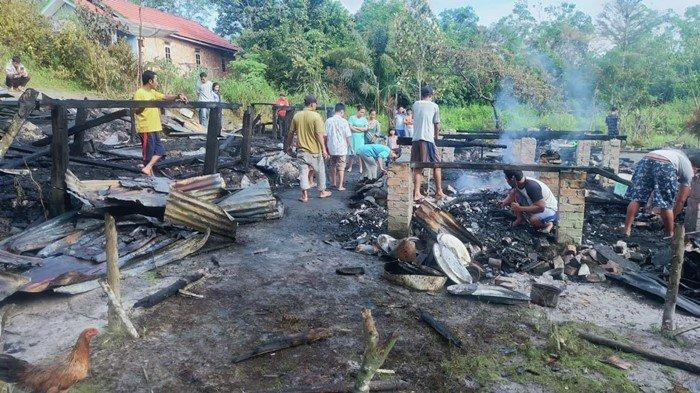 Uang dan Emas Ikut Terbakar, Kebakaran 2 Rumah di Bayung Lencir Muba: Diduga Karena Lampu Colok