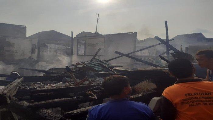 Kebakaran di OKU Ada 8 Rumah di Pasar Baru Terbakar, Polri dan TNI Siaga, Kerugian Miliaran Rupiah