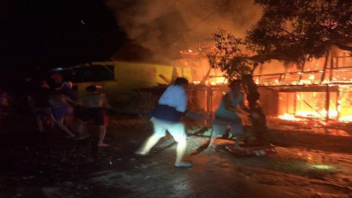 Kebakaran di Muba, Rumah Dua Tingkat Milik Seorang Warga Sekayu, Polisi Lakukan Penyelidikan