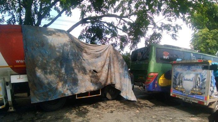 BREAKING NEWS: Tabrakan Beruntun di Jalan Lintas Ogan Ilir, 3 Truk Tabrakan di Pemulutan