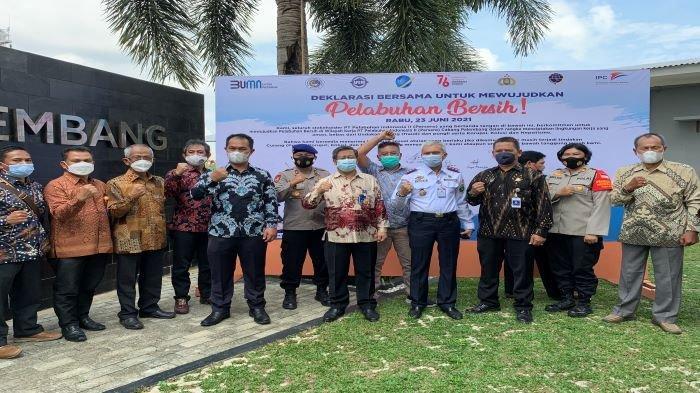 PT Pelabuhan Indonesia II (Persero) Cabang Palembang, menggelar pertemuan untuk mendeklarasikan pelabuhan yang bersih dari aksi pungli dan fraud, kegiatan digelar di Kantor PT Pelabuhan Indonesia II (Persero) Cabang Palembang, Rabu (23/6/2021).