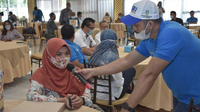 Dalam rangka menjalin silaturrahmi dengan stakeholders, PT Pusri Palembang yang merupakan anak perusahaan PT Pupuk Indonesia (Persero) mengadakan kegiatan Sharing Knowledge dan Customer Engagement bersama kios pupuk di Palembang pada Selasa (24/03/2021) yang bertempat di Bukit Golf Resto, kegiatan berlangsung dengan menerapkan protokol kesehatan COVID-19.