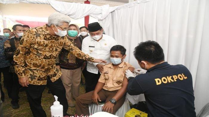 Kejar Herd Immunity GAPKI Sumsel Gelar Vaksinasi Sampai ke Desa-desa