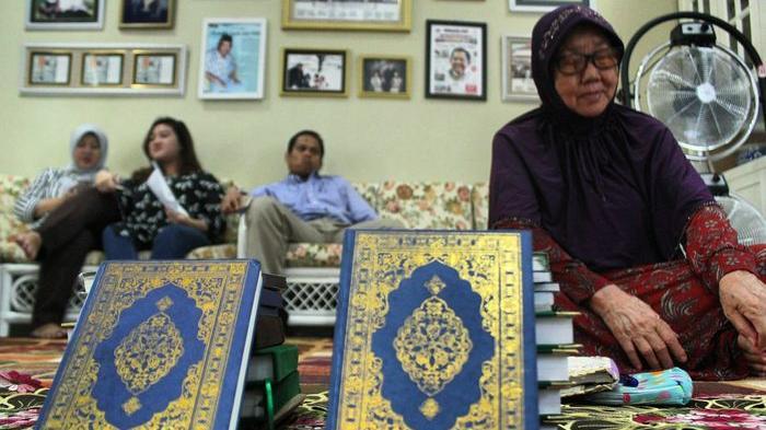 Doa Setelah Membaca Surat Yasin Lengkap Arab, Latin & Artinya serta Keutamaan Membaca Surat Yasin