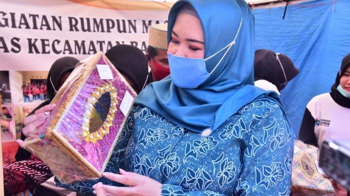 Kerajinan Anyaman Rumbai Banyuasin Siap Mendunia