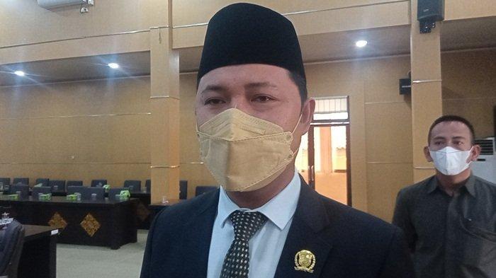 Bupati Enos Absen Rapat Paripurna DPRD OKU Timur, Nota Kesepakatan RKUA dan PPAS APBD 2022 Ditunda