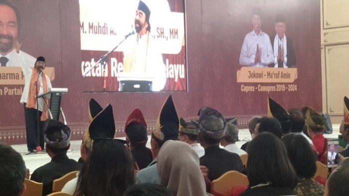 BERITA FOTO : Surya Paloh Sapa Relawan Melayu Memilih Jokowi - Ma'ruf Amin di Palembang