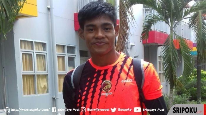 Kiper Sriwijaya FC Rudi Nurdin Rajak