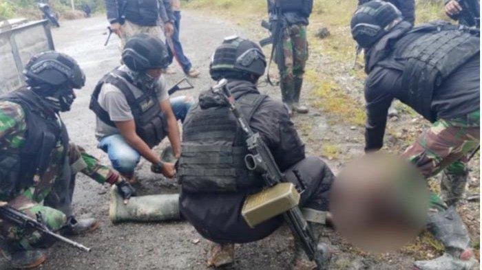DISERANG DARI Belakang, TNI Bereaksi Cepat, Pukul Balik Penyerang: 1 KKB Papua Ditembak Mati