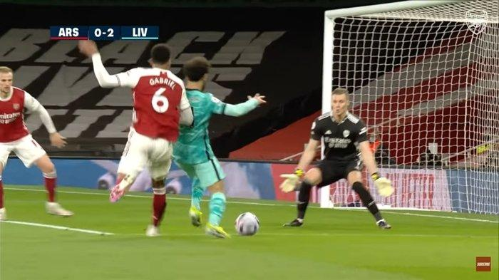Arsenal Dibantai Liverpool & Leno Dikolongi Salah, Haruskah 3 Kiper Terkenal Ini Pakai Kain Sarung