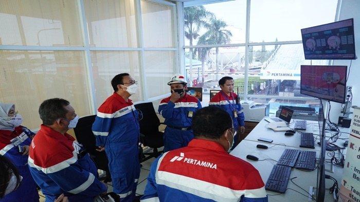 Pastikan Layanan Distribusi Optimal, Komut Pertamina Kunjungi Depot LPG Pulau Layang & IT Palembang