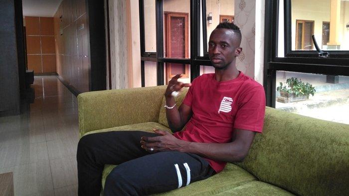 Pemain Arema FC Tampak di Turnamen Kelas Tarkam: Makan Konate Dikecam