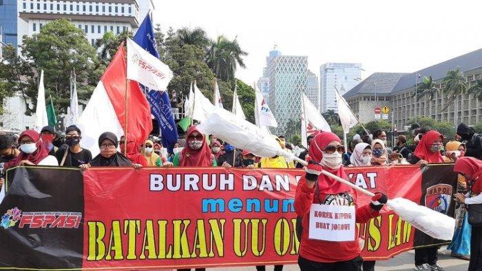 Aliansi Mahasiswa Demo di Istana, Ribuan Massa Sambut Pemimpin FPI Habib Rizieq