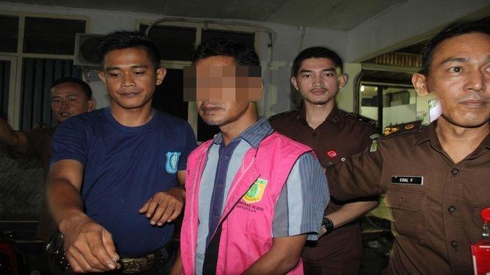 Berita OKU : Mantan Pjs Kades Ditahan Diduga Korupsi Alokasi Dana Desa, Rugikan Negara Rp 155 Jutaan