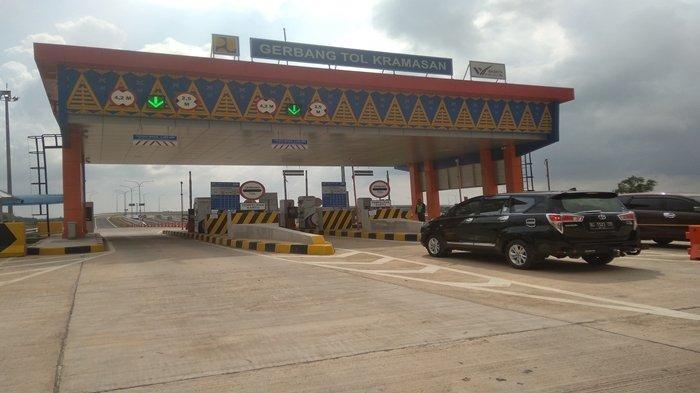 OKNUM Petugas Praktek Pungli di Gerbang Tol Kramasan, Modus Memisahkan Diri dari Rombongan Polisi