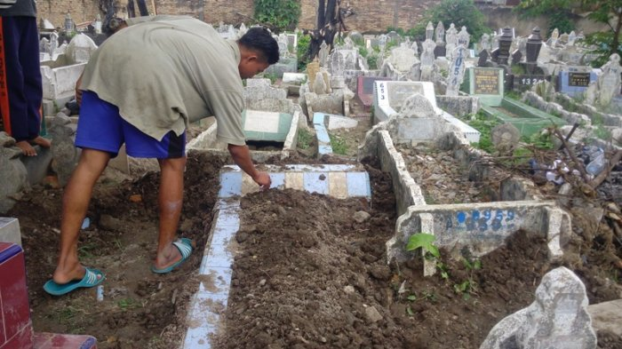 Warga Kampung Menolak, Jenazah Penyerangan Mapolda Dikubur Bersama Kakek dan Neneknya