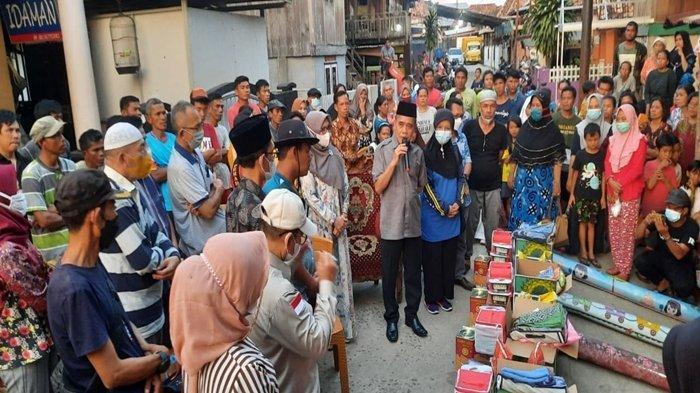 Wabup Ardani Ajak Istri Datangi Kebakaran di Tanjung Batu, Hanya 1 Kilometer dari Kampung Halaman