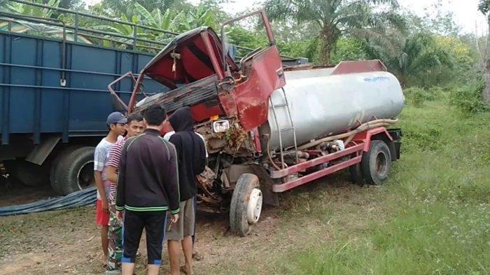 Kronologi Kecelakaan di Jalan Palembang-Betung, Truk Darto Masuk Saluran Air, Ada Sopir Terjepit