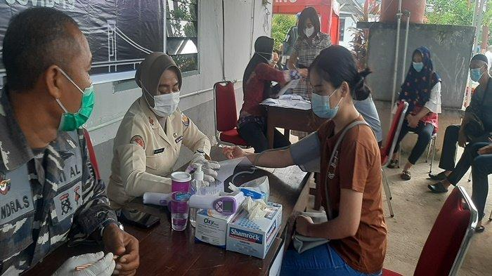 Lanal Palembang Gelar Serbuan Vaksinasi Tahap Kedua Untuk 135 Orang Masyarakat Maritim