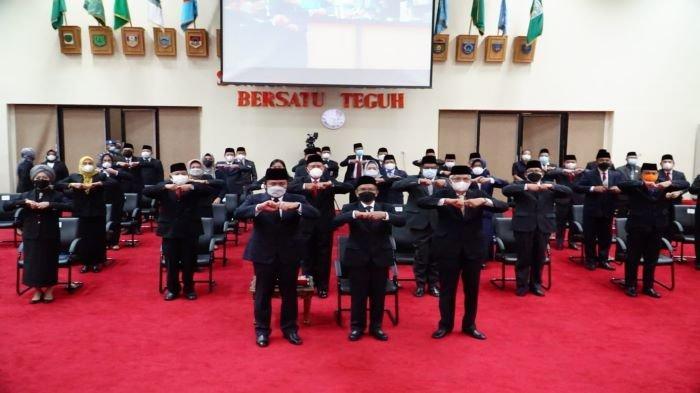 Pelantikan Pj. Sekda Sumsel, Herman Deru Berikan Pesan Khusus, Pelayanan Tak Sama di 17 Kabupaten