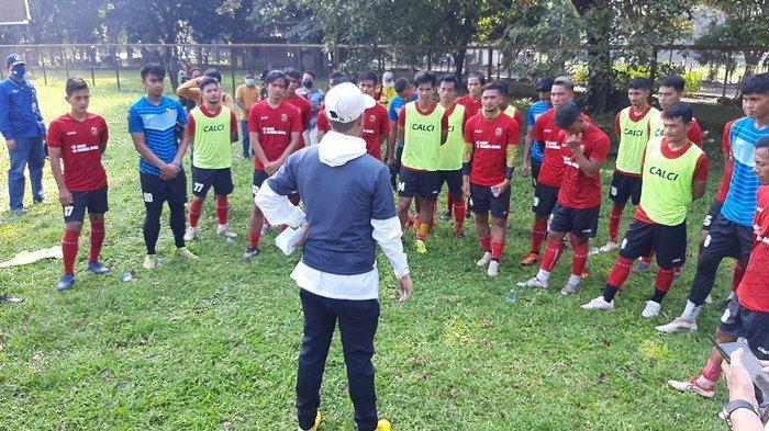 Latihan Perdana Sriwijaya FC, 15 Pemain Baru Ikut Seleksi: Nil Maizar Berikan Materi Adaptasi