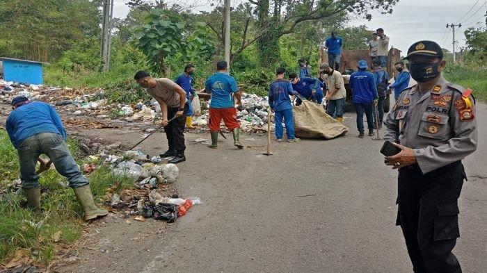 Sering Dibersihkan, Sampah di Jalan Lingkar Lahat Menumpuk, Diduga Dibuang Oknum dari Luar Daerah