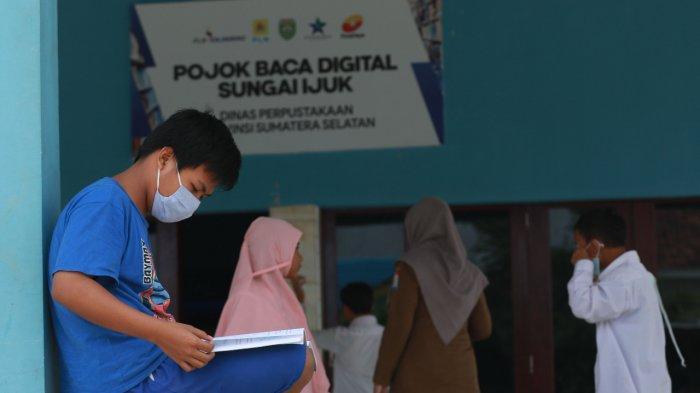 Menyebar Virus Literasi di Kampung Isolasi
