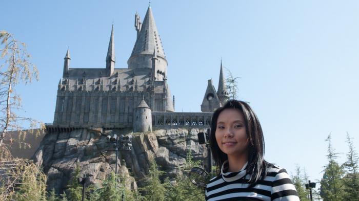 Livi Zheng Berkunjung ke Dunia Harry Potter Sebelum Dibuka Untuk Publik