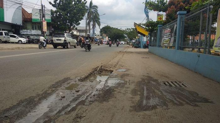 Bekas Galian Bahayakan Pengguna Jalan