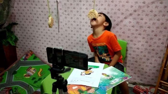 SD Bukit Asam Tanjung Enim Muara Enim Menggelar Lomba Mewarnai dan Makan Kerupuk Secara Virtual